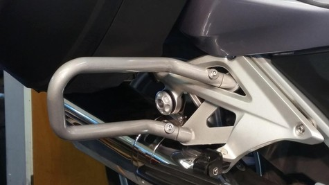 30-800, REAR GUARD BARS, 2014-2018 R1200RTW or 2019 and up R1250RT SILVER METALLIC (30-800)